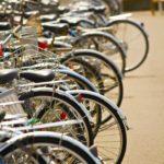 逆走、無灯火、乱横断・・・ルール無視やマナーの悪い自転車はどのようにして正していくべきなのか?